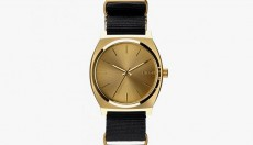 COLETTE X NIXON TIME TELLER LIMITED EDITION WATCH 01